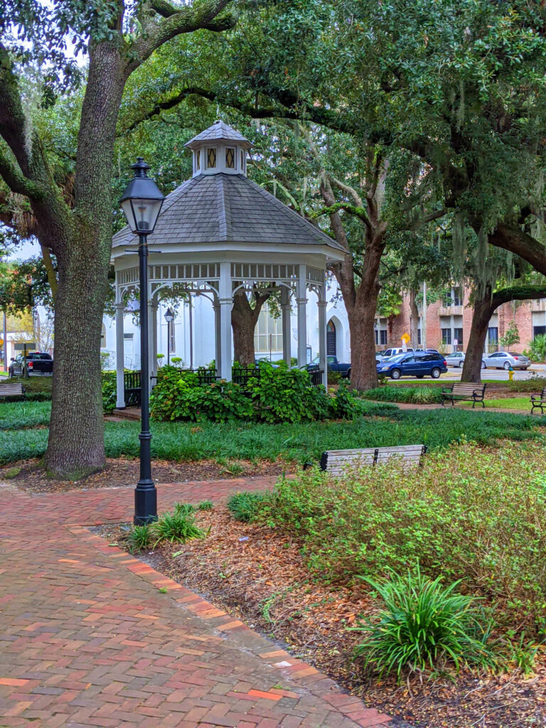 Savannah, where the colony started, was laid out to contain 24 squares, or parks, each about an acre.  The 22 that still remain are filled with commemorative statues and sculptures, making the historic downtown very picturesque.